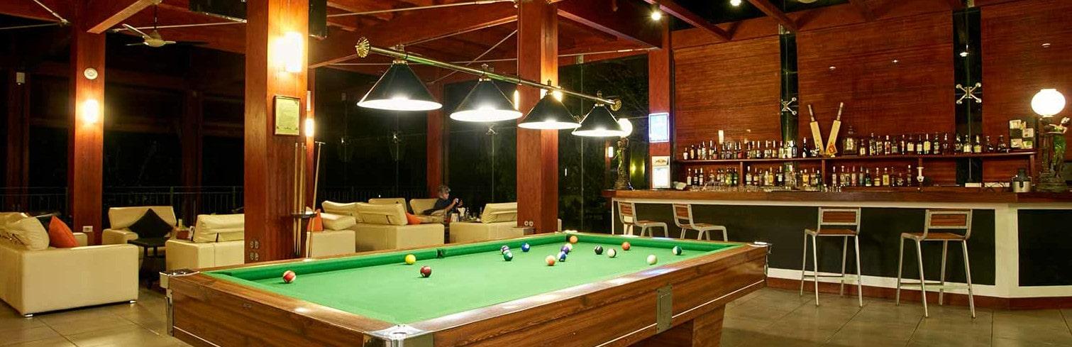 bar paradice hotel-min