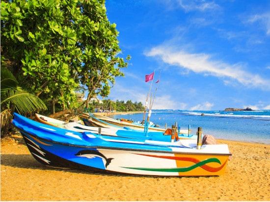 srilanka boat ride-min