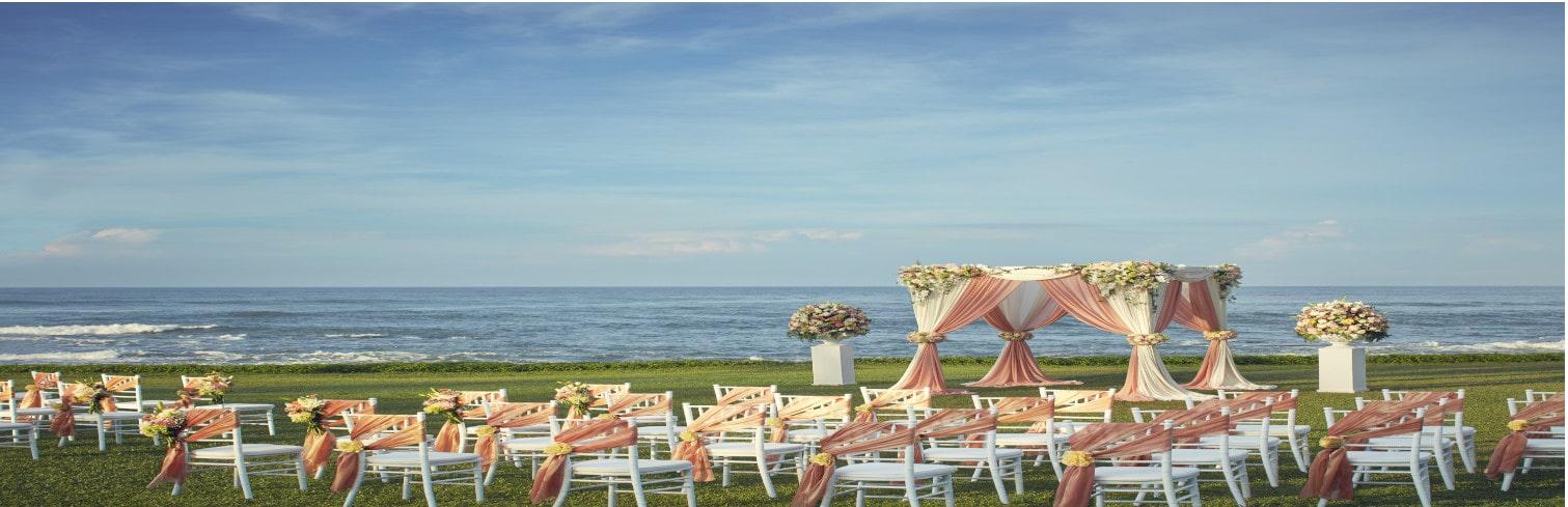 beach wedding-min