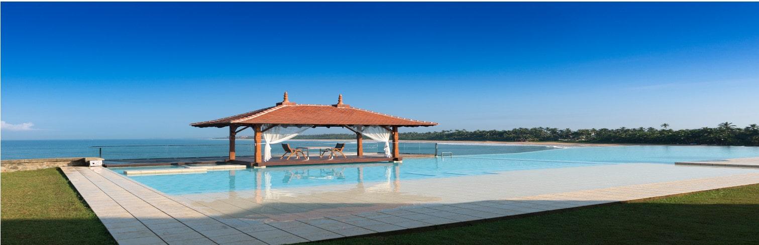 saman villa pool-min